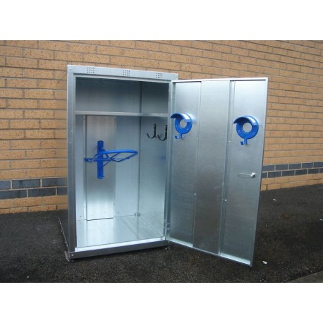 1 Saddle Medium Tack Locker
